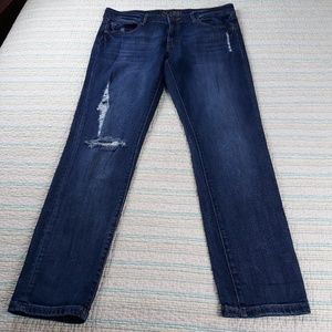 DL1961 Riley Boyfriend 29 Distressed Savage Jeans